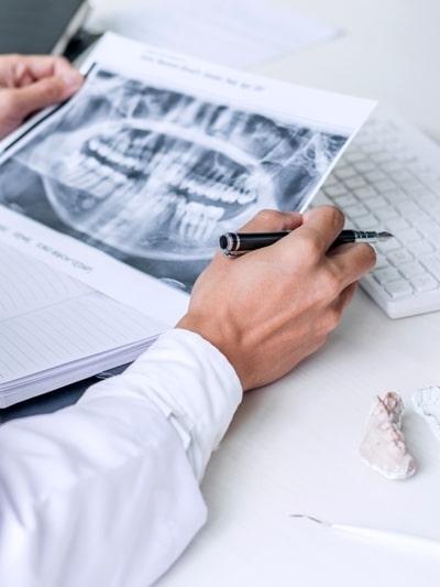 dentista Beinasco il Dott. De Agostini risponde